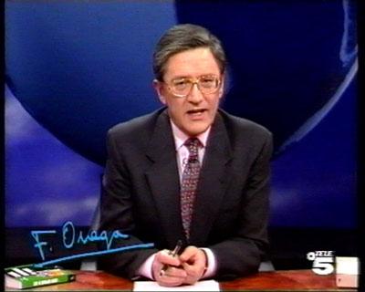 Fernando Ónega, frimando sus intervenciones