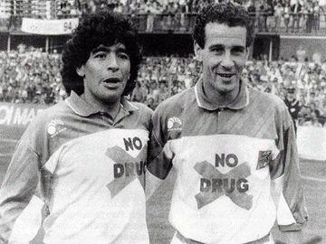 Maradona y Julio Alberto con su no a las drogas